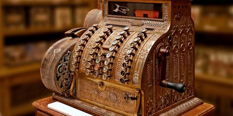 первые кассовые аппараты история возникновения в москве